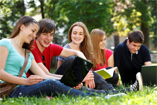 college-students-3003-1444707542